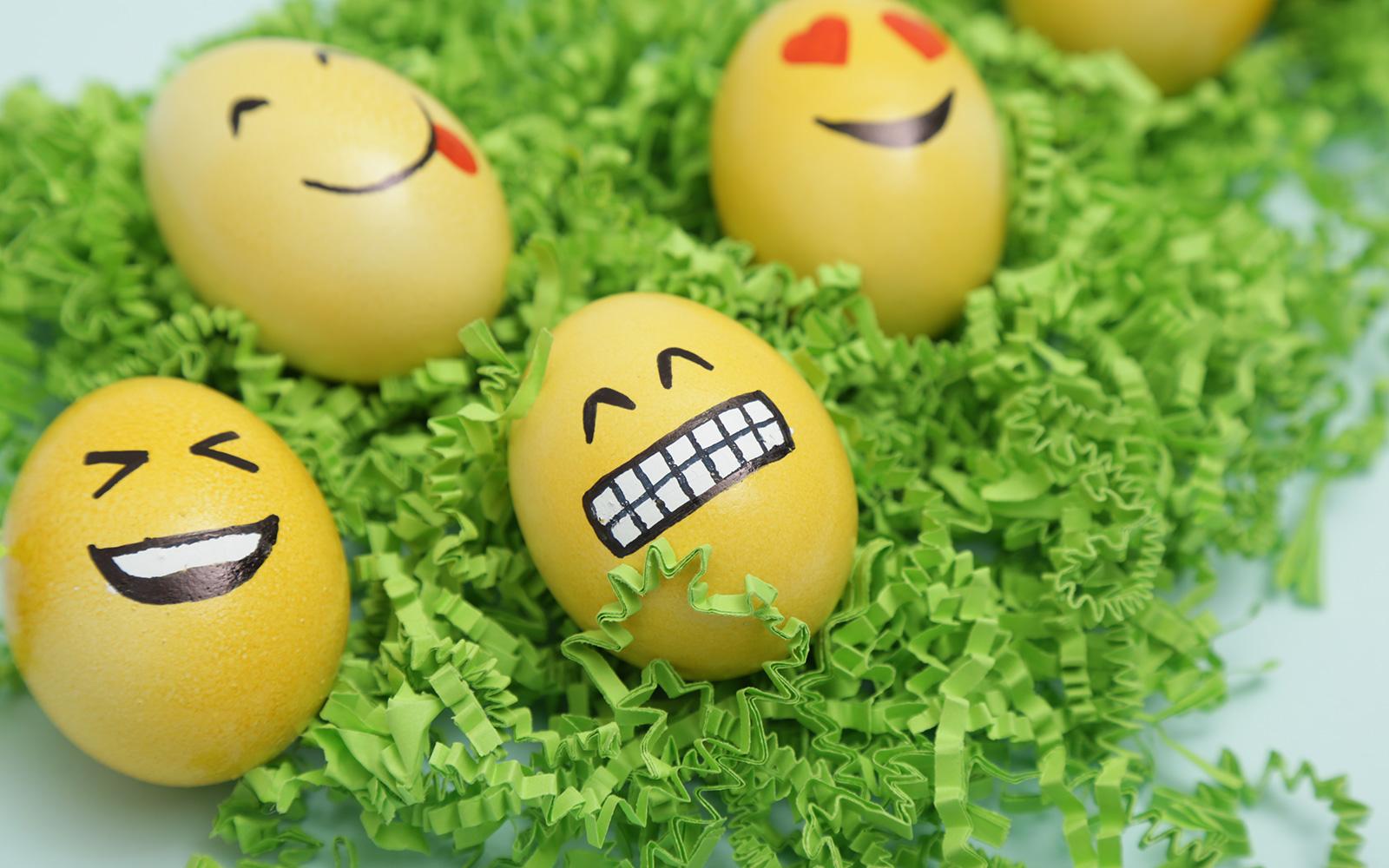 Buona pasqua dillo con le uova camperturista - Decorazioni uova pasquali per bambini ...